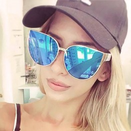 2017 New Fashion Oversized Women Sunglasses Cat Eye Outdoor Female Sunglasses Metal Frame With Plastic Legs Sun Glasses UV400
